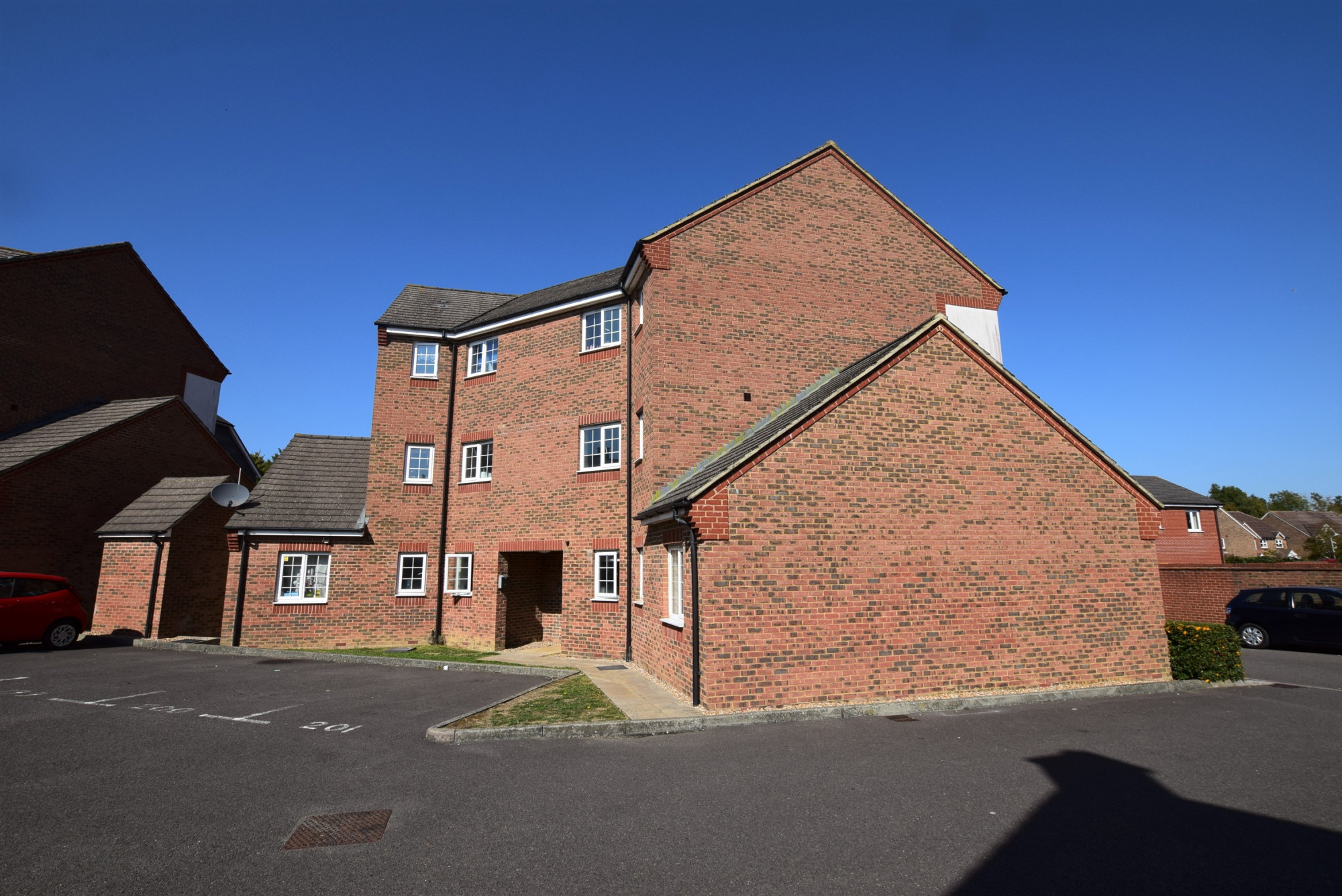 1 Bed Apartment For sale in Holt Close Ashford TN23 ...