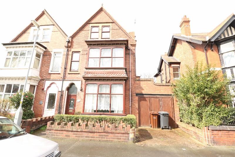 5 Bed, House, Bilston, WV14: £229,950