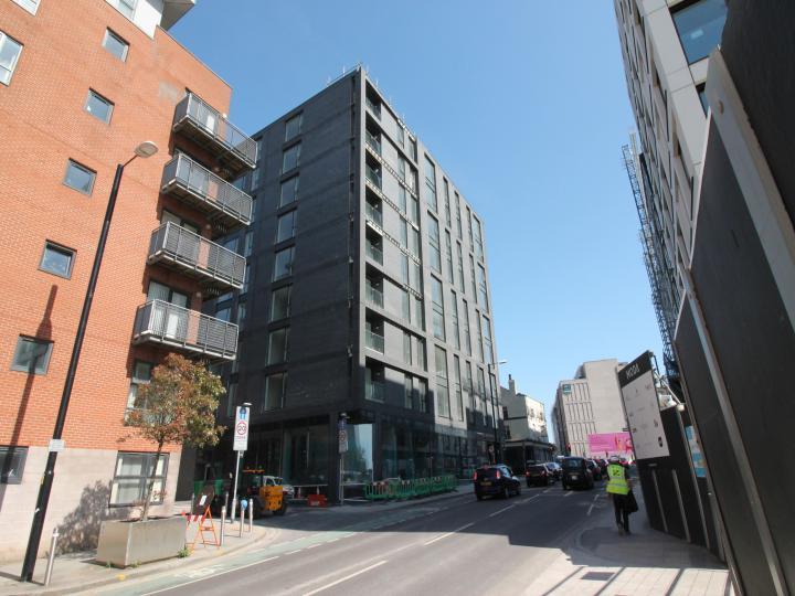 9 Dyche Street