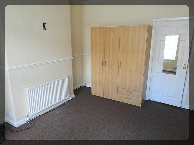 3d0798ce91 3 Bed 1 x 1 Bedroom Flat and 1 x 2 Bedroo Albert Avenue Hull HU3 - Zest  (East) LTD