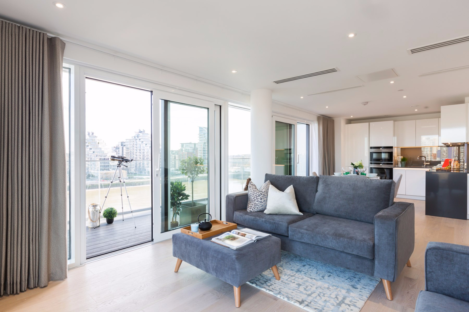2 Bed Apartment Westbourne Apartments Fulham SW6
